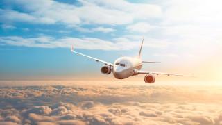 """Как историческата криза за авиоиндустрията стана """"най-доброто време"""" за новите превозвачи?"""