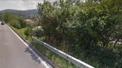 Жителите на Владая алармират за опасен пътен участък