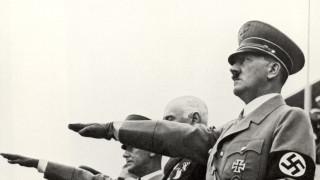 Кремъл бесен на украинска игра с Хитлер на парад на победата в Москва