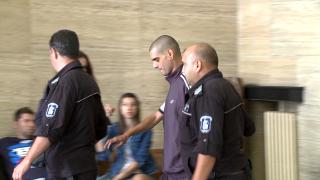 Доживотна присъда за Кристиян Гочев, убил майка си и дядо си в жилищен блок