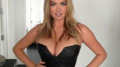 Ето голите снимки на Кейт Ъптън от телефона й (18+)