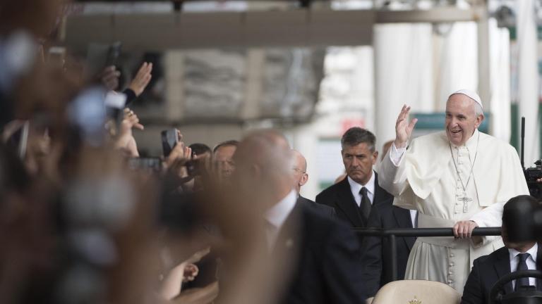 Папата осъди войната в името на Бог