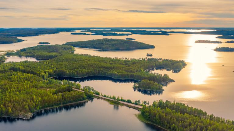 Затварянето на границата на Финландия с Русия на фона на