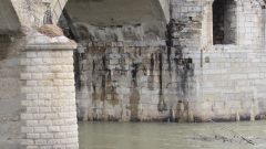 Безхаберието и времето рушат моста на Колю Фичето край Бяла