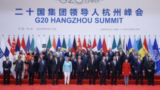 Финансова задлъжнялост и протекционизъм заплашват световния растеж