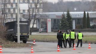 Жандармерията претърсва камиони за вносно месо на Дунав мост