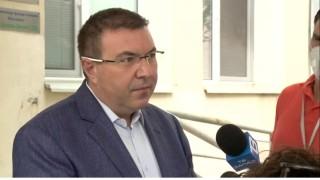 Ангелов доволен от темповете на ваксинация, но не изключва и четвърта вълна