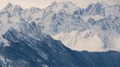 Трима загинали при лавина във Френските Алпи