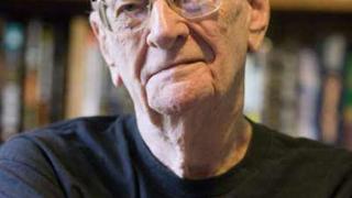 Артър Кларк почина на 90-годишна възраст