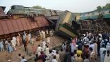 Най-малко шестима загинали при сблъсък между бърз и товарен влак в Пакистан