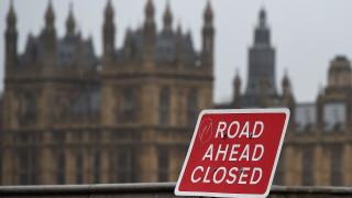 ЕС може да блокира Великобритания в митническия съюз за дълъг период