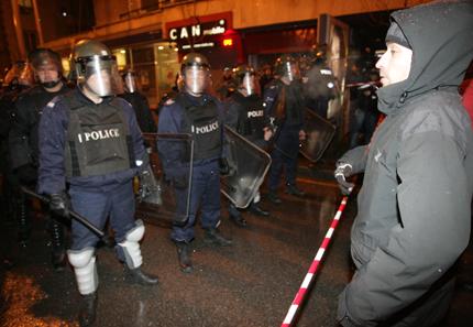 600 протестиращи блокираха за кратко централен пловдивски булевард