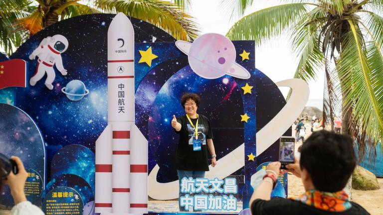 Китай праща астронавти за довършителни дейности по орбиталната има станция