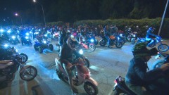 Мотористи излязоха на нощно шествие в памет за загиналите на пътя