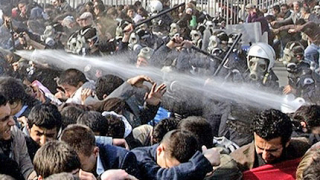 580 арестувани демонстранти в Истанбул