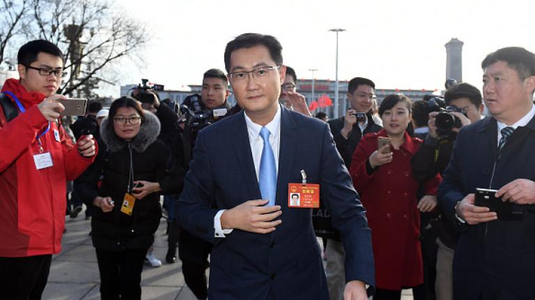 Хуатенг беше гост на конгреса на Китайската комунистическа партия