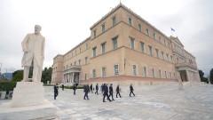 Коронавирус: В Гърция починаха още шестима, а в Северна Македония - двама