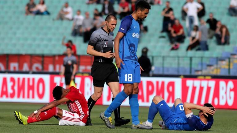 Победата на ЦСКА с 2:0 във Вечното дерби остави Левски