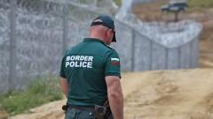 Хванаха двама 17-годишни да прекарват нелегални мигранти