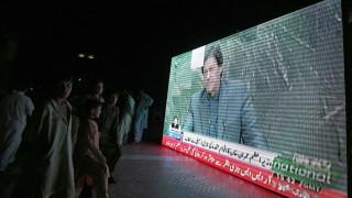 Извънредно кацане на самолета на премиера на Пакистан в САЩ