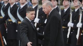 Ердоган в Украйна: Турция не признава незаконната анексия на Крим
