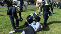 Мелбърн задържа 15 души на протест срещу COVID мерките