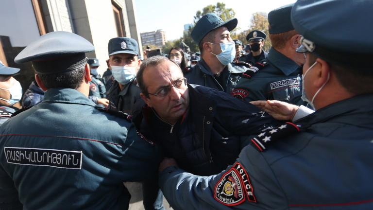 29 задържани на пореден протест в Армения