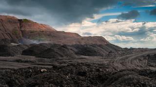 Деветима загинали миньори след пропадане на асансьор в рудник в Донбас