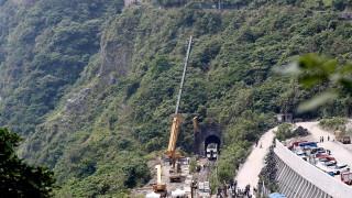 Заподозреният за железопътната катастрофа в Тайван се извини