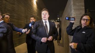 И Илон Мъск пред съда