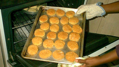 Danone продава бизнеса с бисквити, преговаря с Kraft