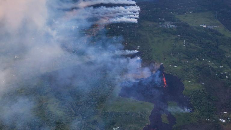 Ситуацията на Хавайте се влошава заради изригващия вулкан Килауеа, съобщава