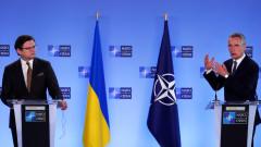Столтенберг: Русия да изтегли войските си от Украйна