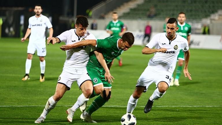 Славия ще бъде без универсалния си футболист Владислав Узунов в