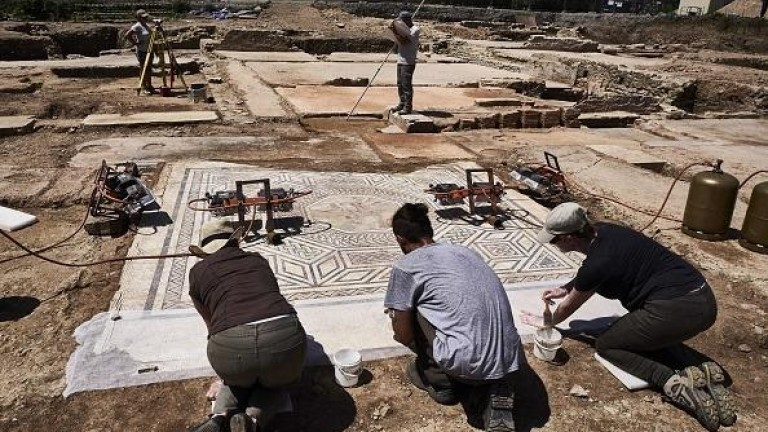 Римско селище, открито на юг от град Лион във Франция,