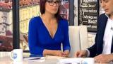 Ани Цолова изкушава зрителите с широко деколте