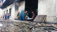 52-ма загинали при пожар във фабрика в Бангладеш