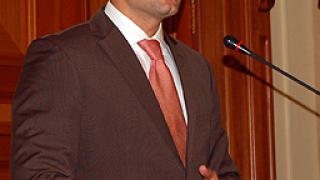 Външният министър скочи на Първанов
