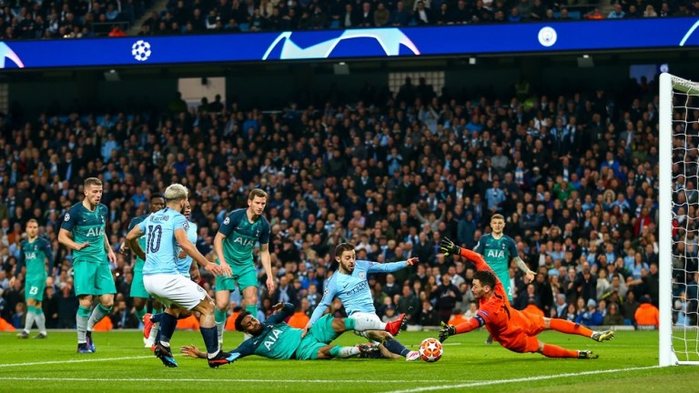 Манчестър Сити - Тотнъм 4:3, Йоренте вкарва топката в мрежата!