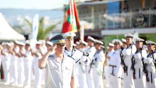 Военноморските ни сили празнуват 137-годишнина, бойните кораби приеха граждани на борда си