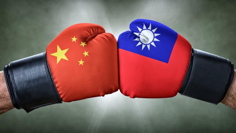 Тайван вдигна по спешност изтребители срещу самолети на Китай в Тайванския проток