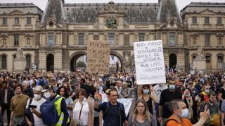 """Хиляди за пореден път казаха """"не"""" на задължителното ваксиниране във Франция"""