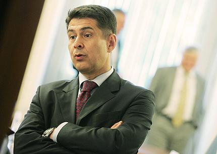 Белезници за Цветанов, очаква Димо Гяуров