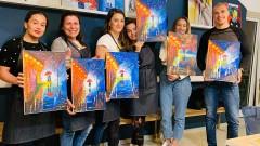 Медалистки в борбата влязоха в ролята на художници