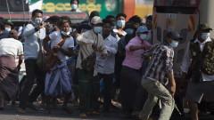 """""""Фейсбук"""" блокира хунтата в Мианмар"""