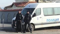 Возят болни от Covid-19 с микробуси на пожарната и жандармерията