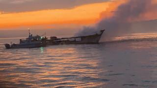 25 тела открити след пожара на корабчето в Калифорния, 9 изчезнали