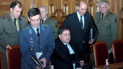 Ненчев подмладява армията, проучва идеята за задължителната казарма