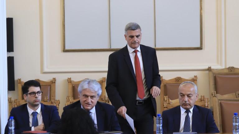 Законът за енергетиката има нужда от сериозен ремонт, настоя Янев