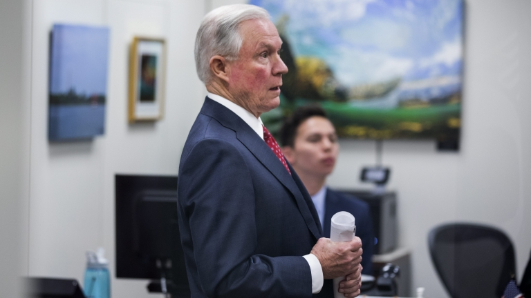 Сенатът на САЩ изслушва номинацията на Тръмп за главен прокурор